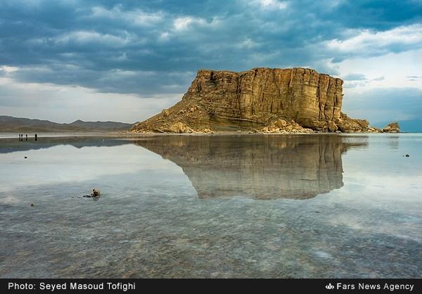 دریاچه نیمه جان ارومیه
