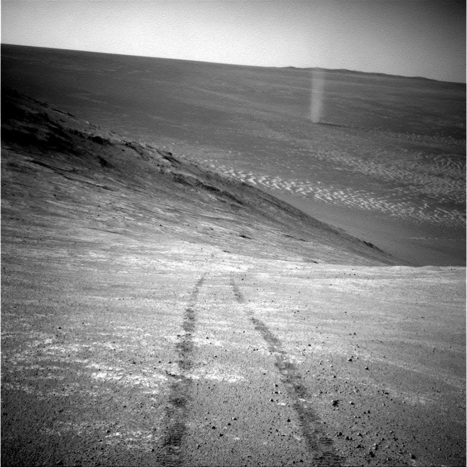 گردباد در مریخ - ناسا