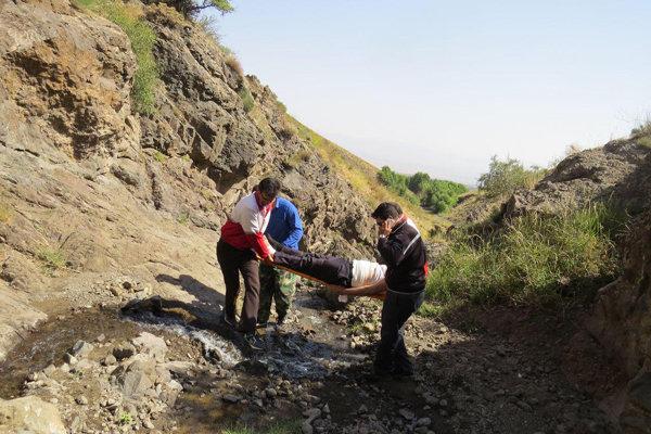 نجات کوهنورد مصدوم در اهر توسط نجاتگران جمعیت هلال احمر