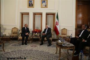 ملاقات مشاور امنیت ملی رئیس جمهور افغانستان با وزیر امورخارجه جمهوری اسلامی ایران