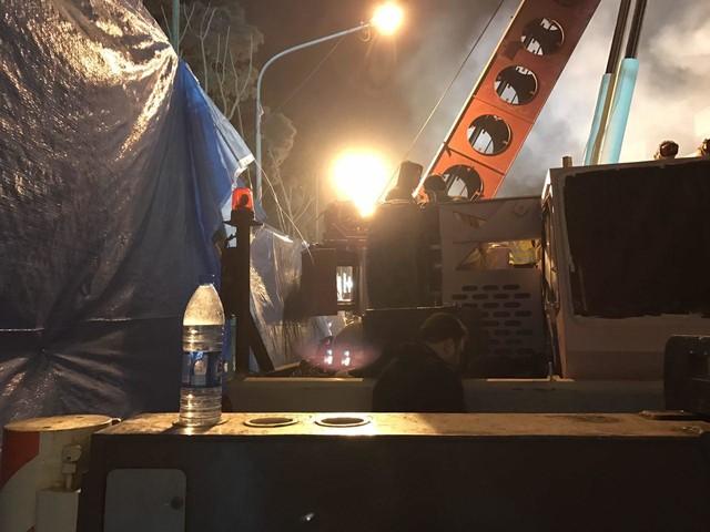 استتار محل حادثه پلاسکو با گونیهای آبی/ احتمال شهادت محبوسین قوت گرفت