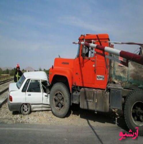 برخورد خونین پراید کامیون در جاده سرچم به اردبیل