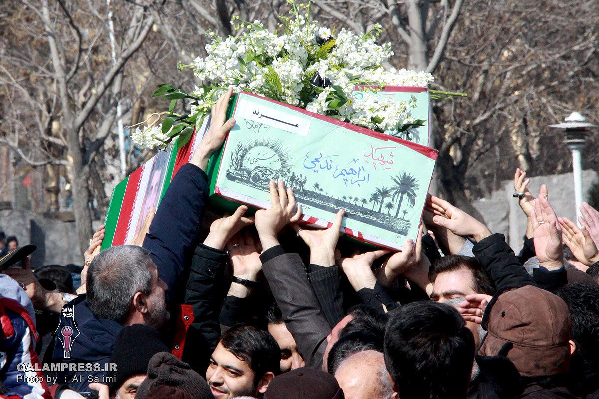تشییع آلالههای سرخ کربلای ایران در آذربایجان + گزارش تصویری