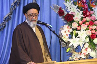 نظام اسلامی با رهبری امام خامنهای با اقتدار در حال پیشرفت است