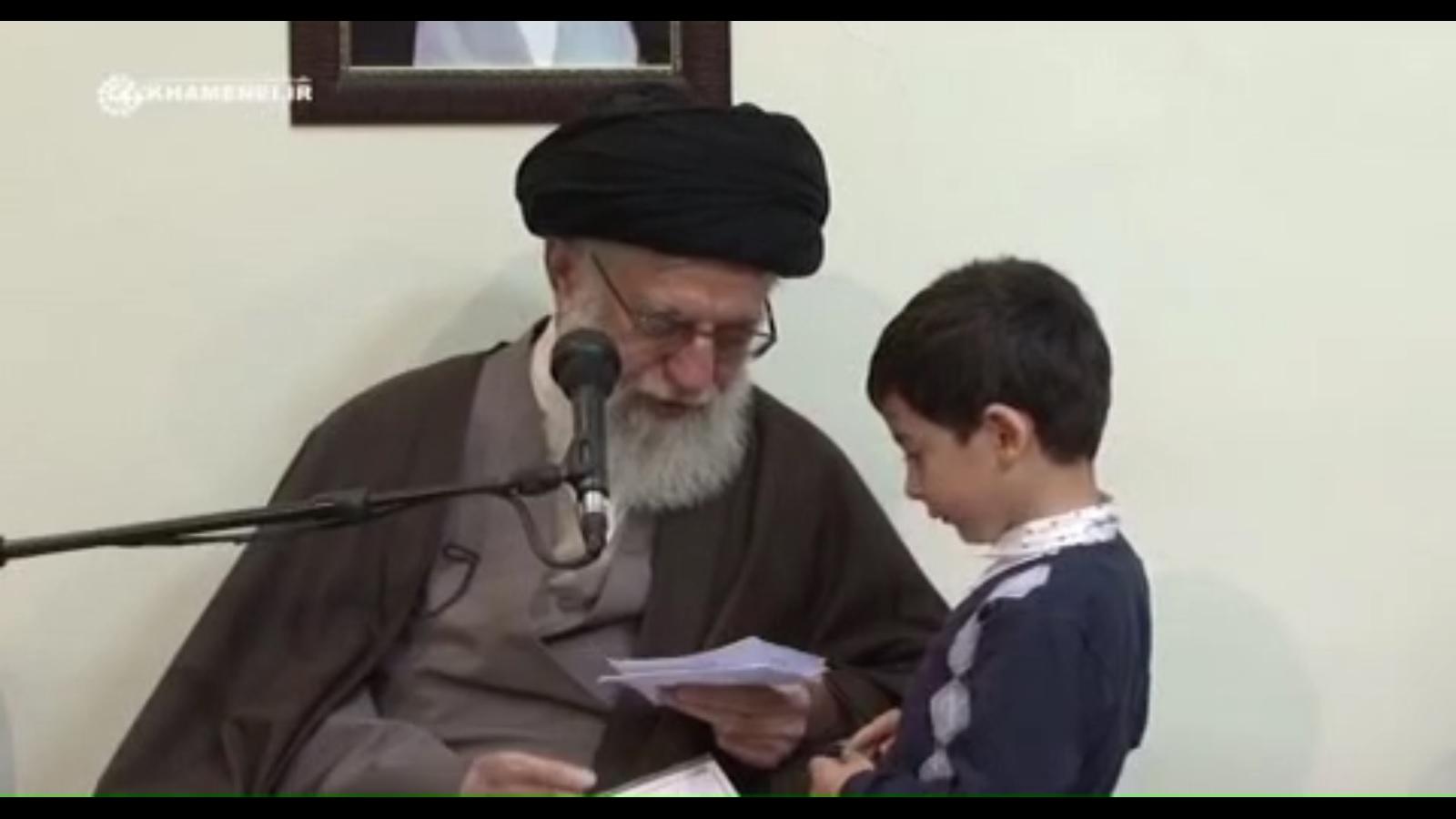 فیلم/ گفتگوی جالب رهبرانقلاب با نوه ۵ساله شهید زندهدل/ توصیه به مادر پارسا دربارهی آموزش زبان ترکی به او