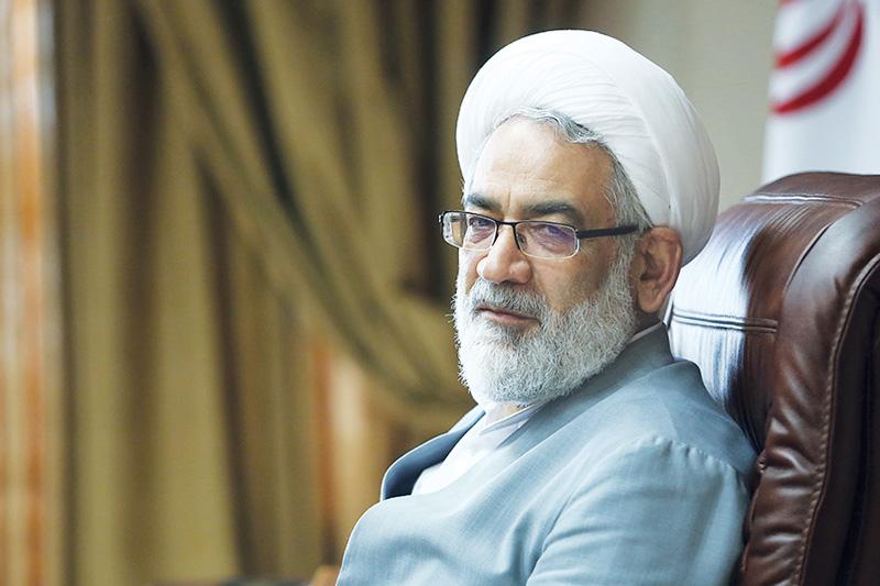 قوه قضاییه و سپاه را تضعیف میکنند تا به نظام ضربه بزنند/ برخی آقایان در انتخابات تخلفات صریح خلاف قانون داشتند