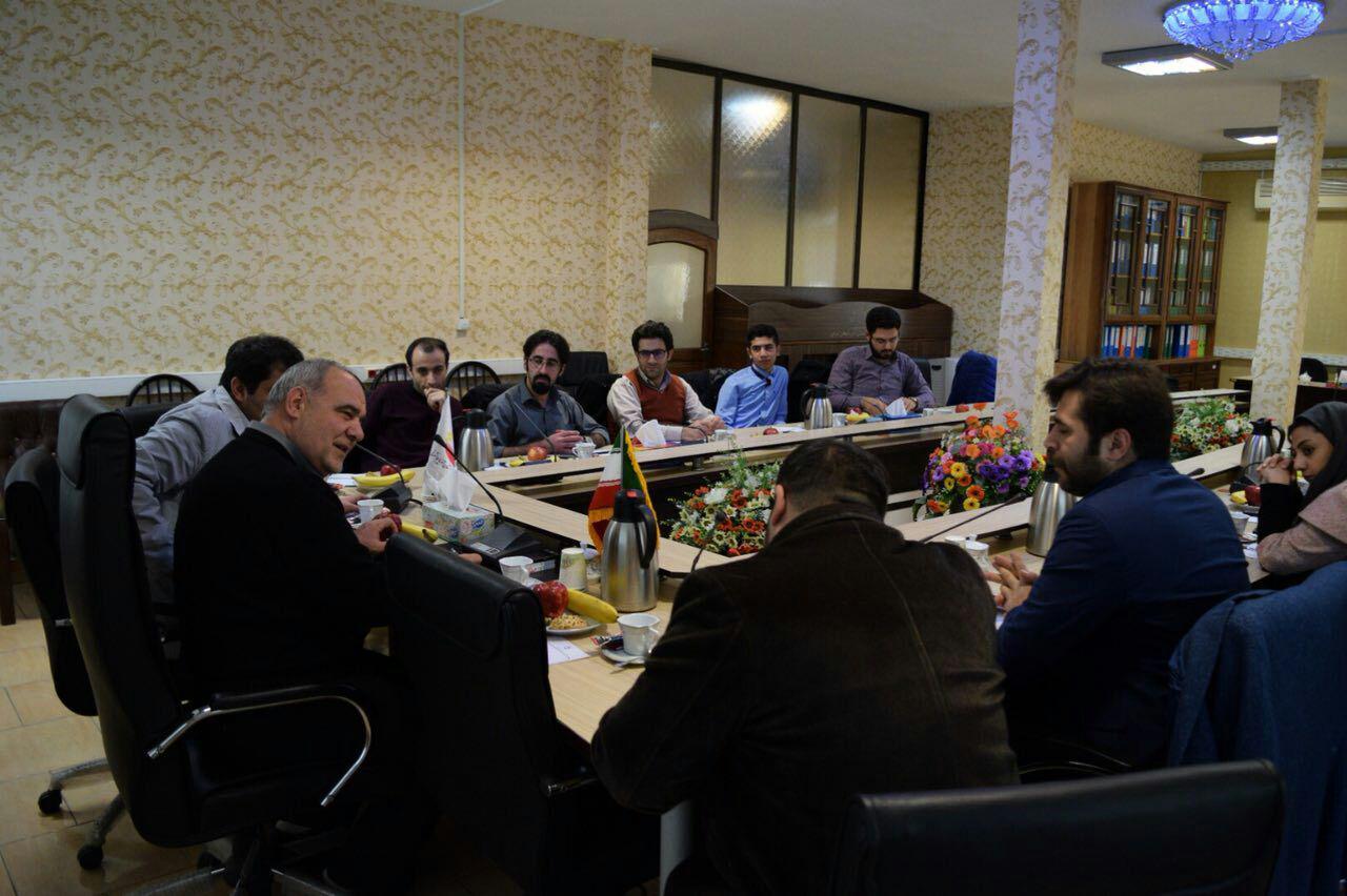 گزارش تصویری/ نشست صمیمی رئیس شورای اسلامی آذربایجان شرقی با جمعی از خبرنگاران و فعالین فضای مجازی