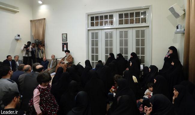 روح شجاعت، فداکاری و ایمان مانع اعمال دشمنیِ دشمنان است/در قضایای اخیر دشمنان ایران همپیمان شدند