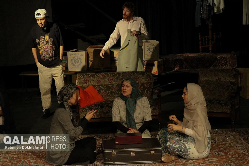 نمایش «آجی و کول» در تبریز به روی صحنه رفت + گزارش تصویری