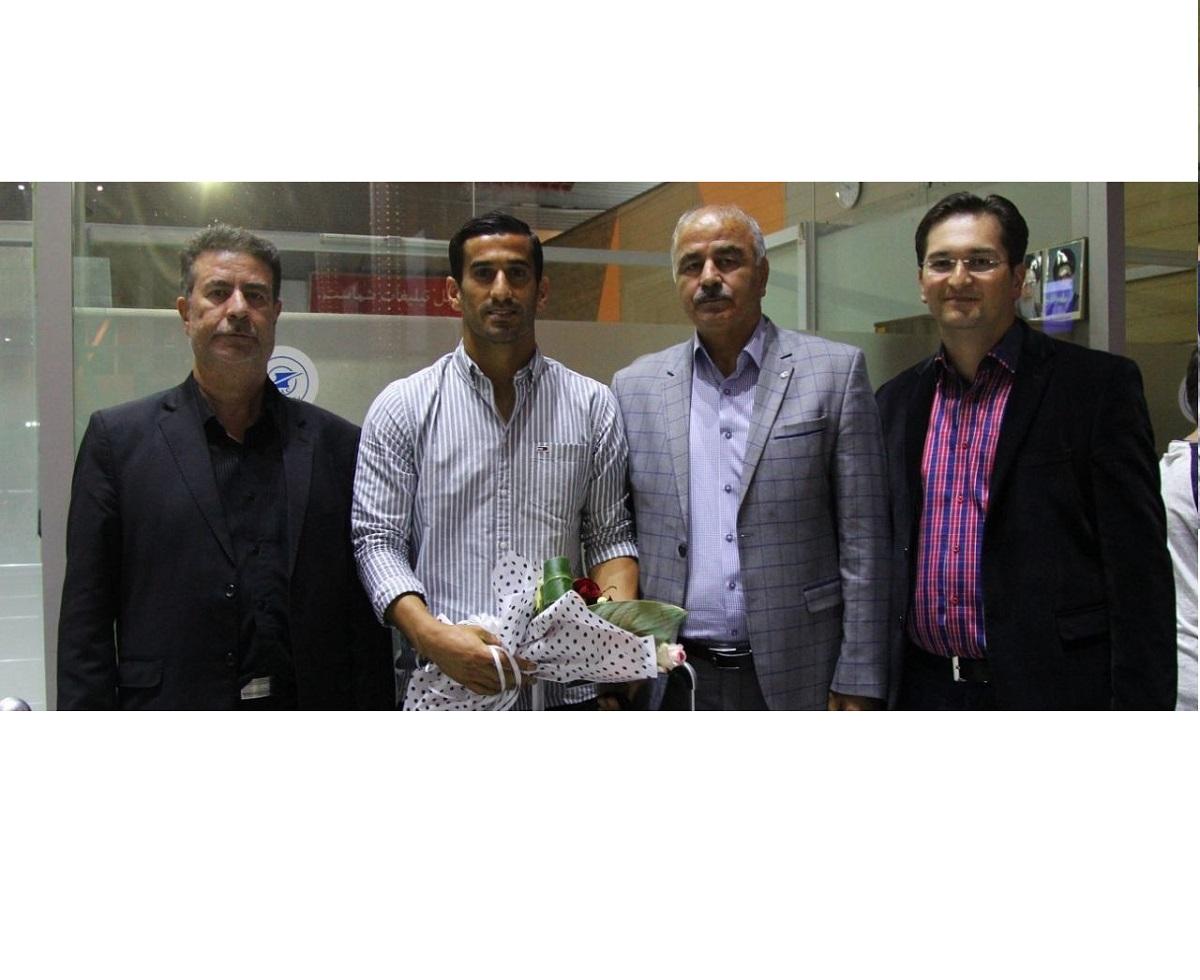 واکنش باشگاه تراکتورسازی به شایعات درباره جذب احسان حاج صفی