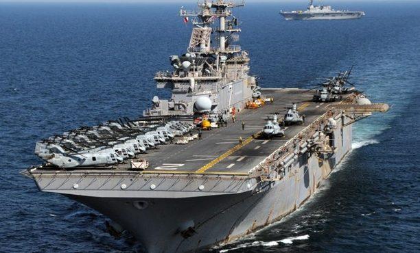 ادعای آسوشیتدپرس: قایقهای ایرانی به کشتی حامل فرمانده آمریکایی نزدیک شدند