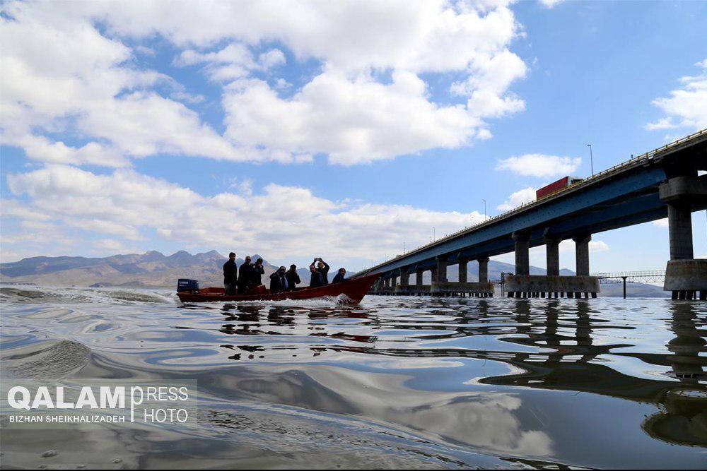 دانشگاهیان برای ارائه راهکارهای پیشگیری از تبخیر پای کار بیایند/افزایش بیش از یک متری سطح دریاچه ارومیه با وجود آغاز فصل گرما