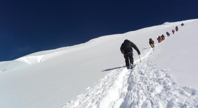 پیدا شدن کوهنوردان خویی گمشده در قله کمال کوهستان سهند