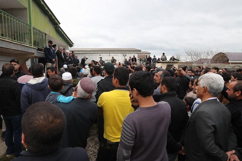 دولت به عنوان خادم و نماینده مردم با تمام توان در کنار مردم مناطق سیل زده است
