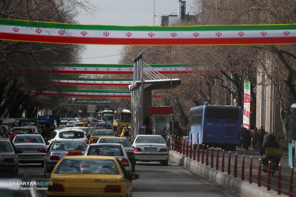 سراسر تبریز خیابان انقلاب است/ شهری به رنگ فجر