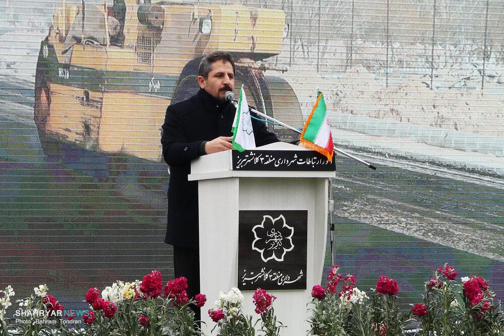 شهردار تبریز: هم پروژه استاندارد اجرا و هم بدهی پروژه های گذشته را پرداخت می کنیم
