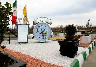 نصب المان سنتی ساعت و آئینه در ستاد نوروزی شهرداری منطقه۴