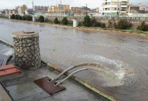 تخلیه آبهای سطحی تقاطع غیرهمسطح ۵مرداد با فعالیت تجهیزات مکانیزه