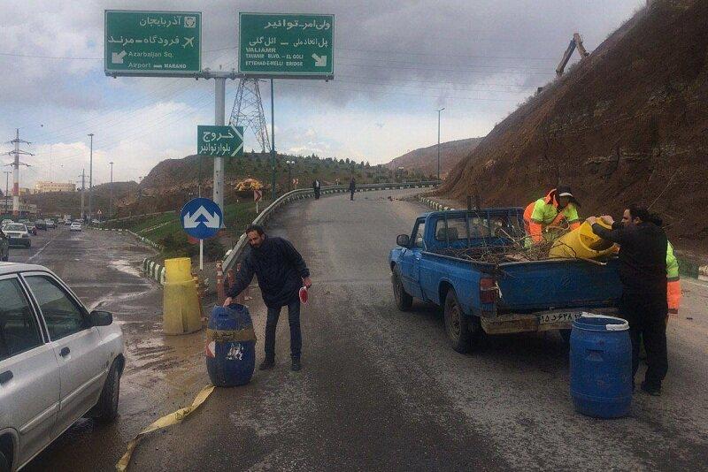 مسیر خروجی ولی امر به پاسداران به دلیل خطر ریزش سنگ مسدود شد