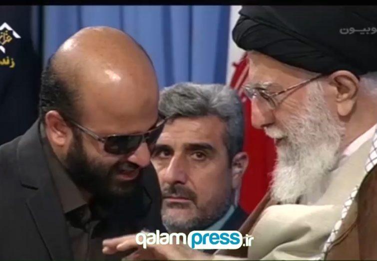 لبخند رضایت رهبر انقلاب از تلاوت قاری روشندل و اهدای انگشتری