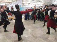 رقص زیبای آذربایجانی در نهمین نمایشگاه ملی صنایع دستی