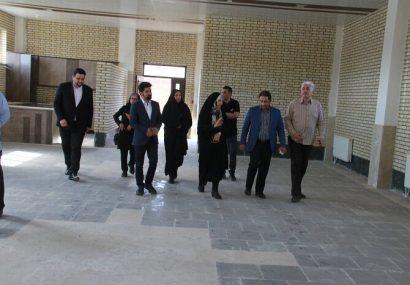 احداث سالن برای اشتغال زنان سرپرست خانوار توسط شهرداری تبریز