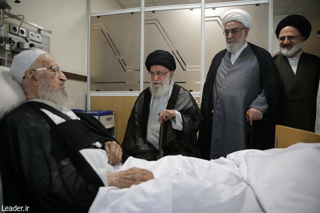عیادت رهبر انقلاب اسلامی از حضرت آیت الله مکارم شیرازی