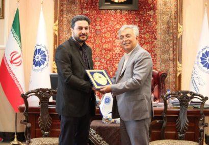 سنگ تمام رئیس اتاق بازرگانی برای جوانان تبریزی