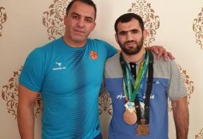 تصمیم جبرئیل حسناُف برای اهدای ۵ مدال قهرمانی خود به موزه آستان قدس رضوی