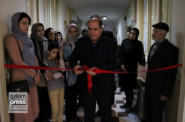 نخستین نمایشگاه انفرادی نشانِ رضا در تبریز