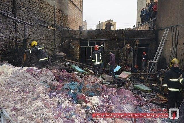 آتش سوزی در کارگاه تولیدی پشتی در خیابان حیدر آباد
