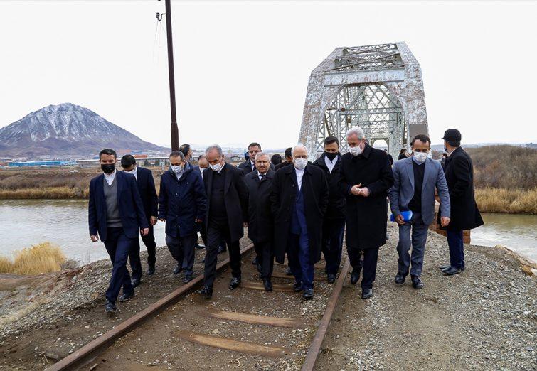 بازدید ظریف از مرز ایران و نخجوان