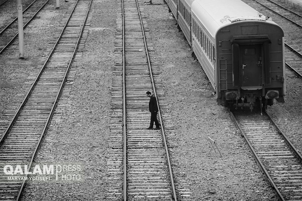 یک قطار حرف / عکس