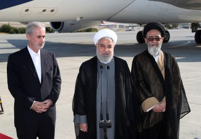 روحانی: هدف از سفردیدار با مردم و بررسی روند بازسازی مناطق زلزلهزده / افتتاح راه آهن میانه- بستان آباد