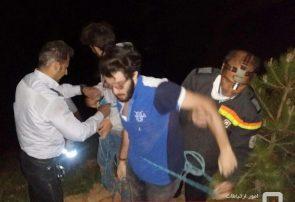 نجات دو شهروند گرفتار از پرتگاه کوه عون بن علی با تلاش آتش نشانان