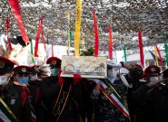لالایی فرهنگیان تبریز بر پیکر یک شهید گمنام