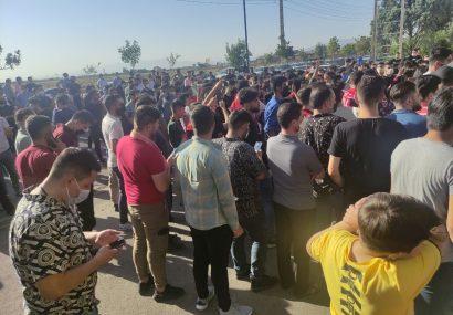هواداران تراکتور خواستار اخراج کمالوند شدند