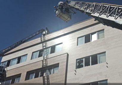 مسمومیت ۲۰ نفر از ساکنین ساختمانی در اثر پخش گاز سمی مواد شیمیایی